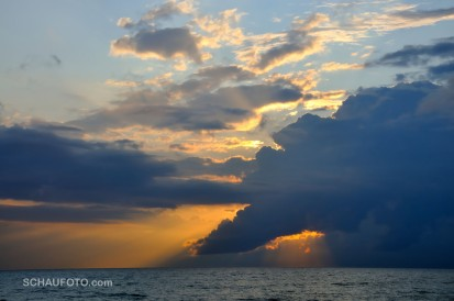 Wolken über Meer