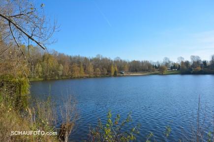 Der Kretzschauer See überrascht mit Strandbad und Jugendherberge.
