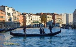 Gondelfähre (Traghetto) über den Canal Grande