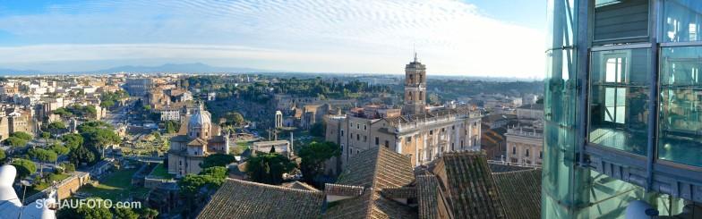 Sicht zum Forum Romanum / Kolosseum