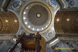 Blick in die Kuppel von unten.