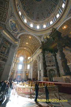 Gehst du in den Petersdom, vergiss dein Weitwinkel nicht!