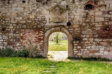 2014 - überstand Überbauung und Abriss: Die letzten Reste der alten Wassermühle.