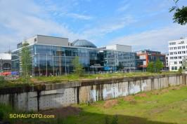 Kugelhaus am Bahnhof mit ... (s. nächstes Bild)