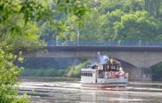 """Das """"Traumschiff"""" bei der Einfahrt in Weißenfels, ein Traum, der zerplatzte."""