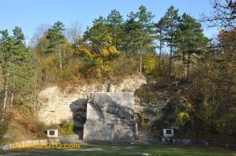 Das Löwendenkmal im Herbst 2009.