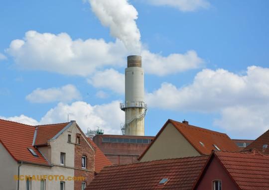 In Deuben raucht noch der Schornstein.