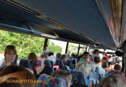 Voller PVG-Bus - auch die Stehplätze werden noch gebraucht.
