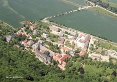 Schulpforte, rechts oben Fischhaus (2008)