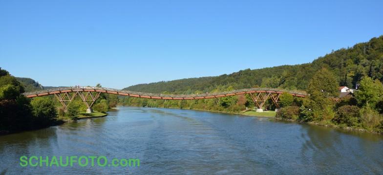 Die Brücke 1,5 Stunden später vom Dampfer aus gesehen.