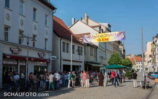 Am Stadtbrunnen beginnt der Museumspfad um 18:00 Uhr