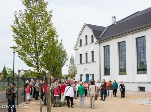 60 bis 70 Besucher waren beim ersten Durchgang dabei.