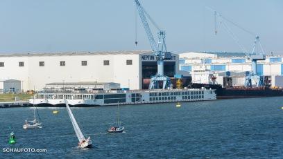 Die Neptun Werft baut Flusskreuzfahrtschiffe in Serie.