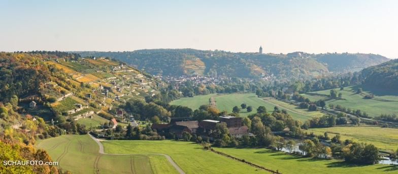 links die Schweigenberge - hinten Freyburg mit der Neuenburg und dem Dicken Wilhelm - vorn die Mühle Zeddenbach