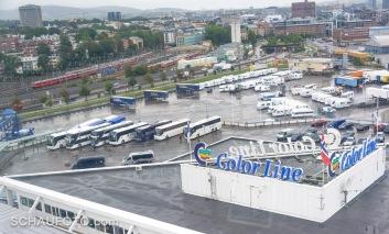 Unsere Busse stehen schon bereit.