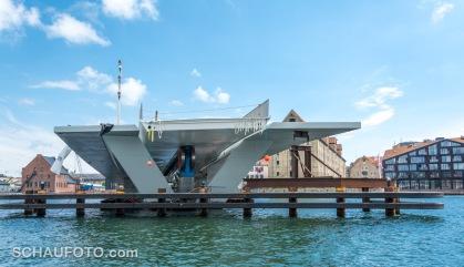Neue Brücke mit Bauskandal.