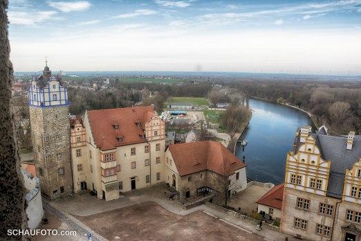Sicht auf Schlosshof und Saale.