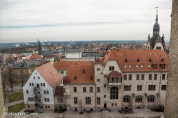 Das Rathaus vom Eulenspiegelturm gesehen.