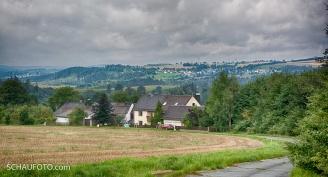 Sicht über das Sachsenvorwerk zur Aussichtsplattform.
