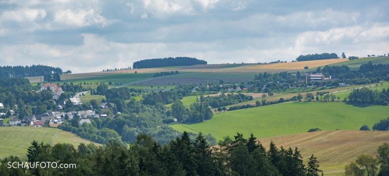 Fernblick zum Rudolphstein / Raststätte Frankenwald.