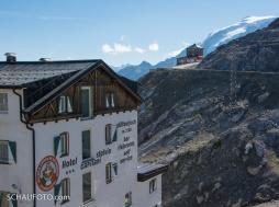 Stilfser Joch, mit Tibethütte und Ortler