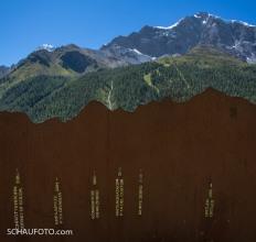 beschriftete Berge