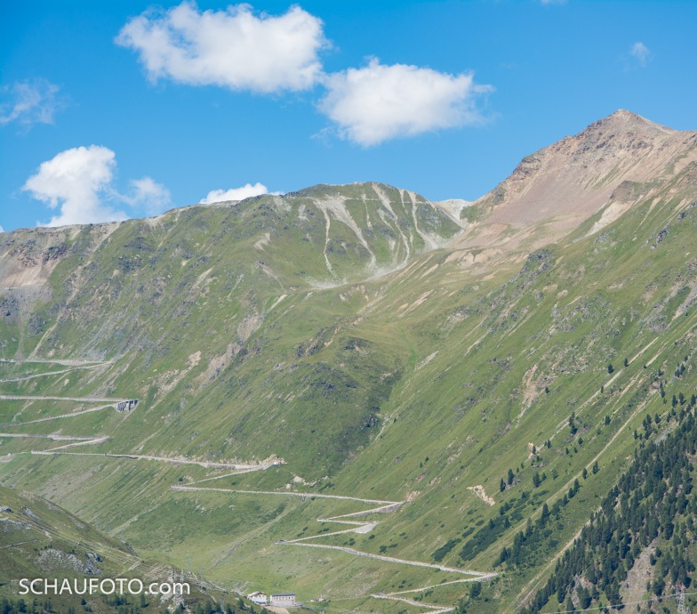 Sicht von der Berglhütte: rechts Rötlspitze