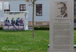 Nahe Geschichte nochmal vor dem Neuen Rathaus.