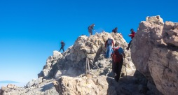 Viel Betrieb auf dem Gipfel.