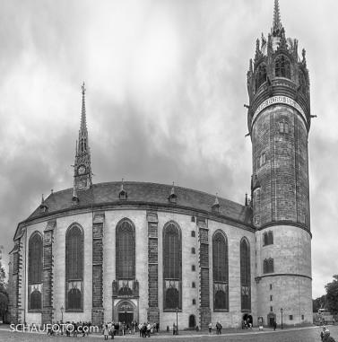 Schlosskirche mit Thesentür