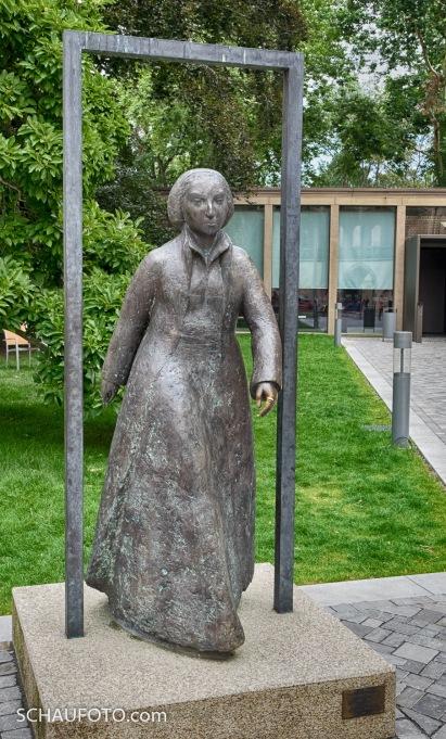 Katharina von Bora - eine Frau, die aus jedem Rahmen läuft