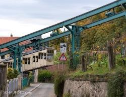 Veilchenweg mit historischer Schwebebahn.