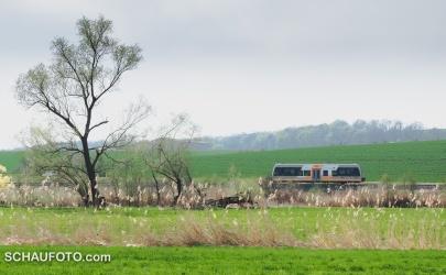 Die Burgenlandbahn auf dem Weg zur Himmelsscheibe